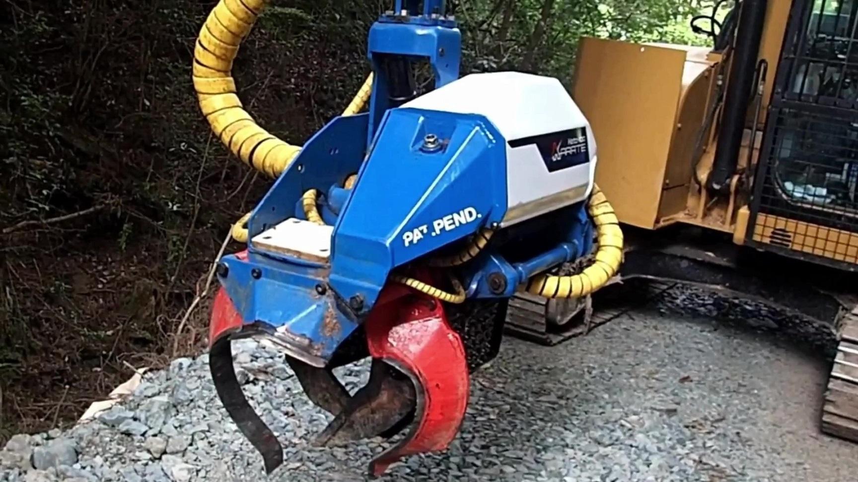 高性能林業機械ハーベスタ【CAT 308 KETO-100 KARATE】_Moment